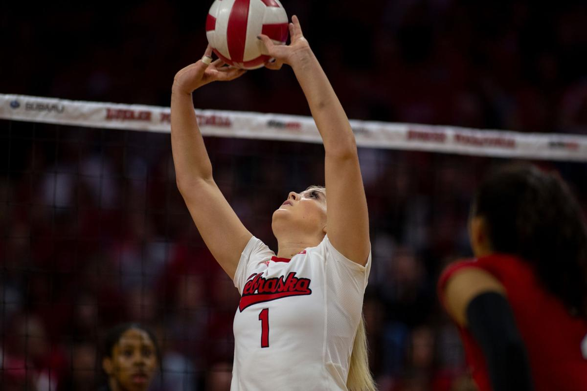 Nebraska Volleyball Travels North To Face Top 10 Wisconsin And Minnesota Sports Dailynebraskan Com