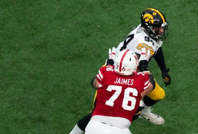 Offensive lineman Brenden Jaimes in game against the Hawkeyes