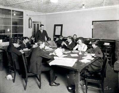 1924 DN staff