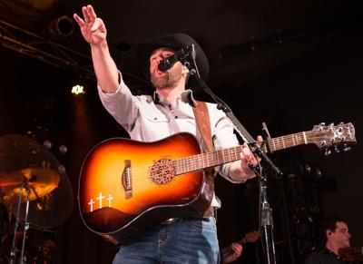 Aaron Watson puts on heartfelt, country show at Bourbon