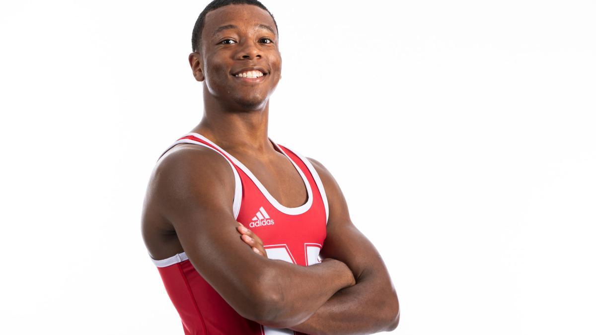 Davenport navigates unconventional start and finds role on wrestling team