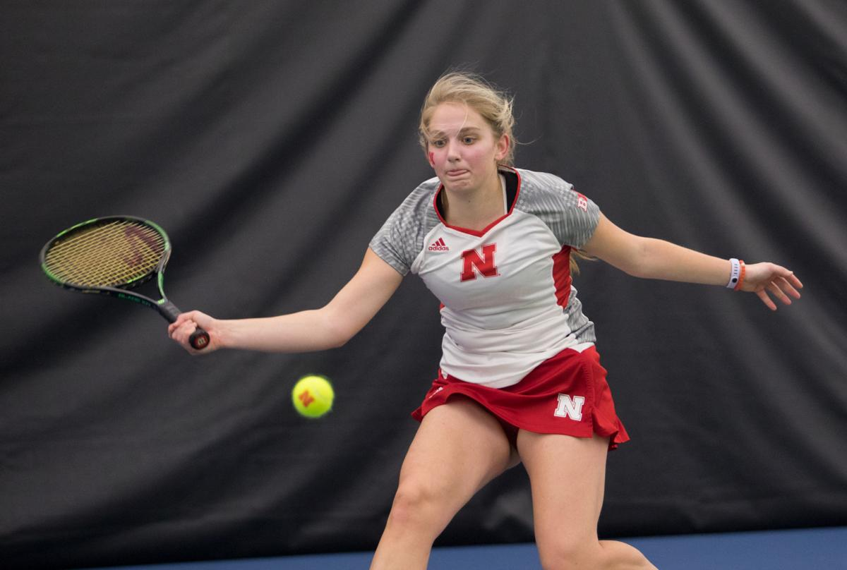 Women's tennis hopes to continue 11-game win streak ...