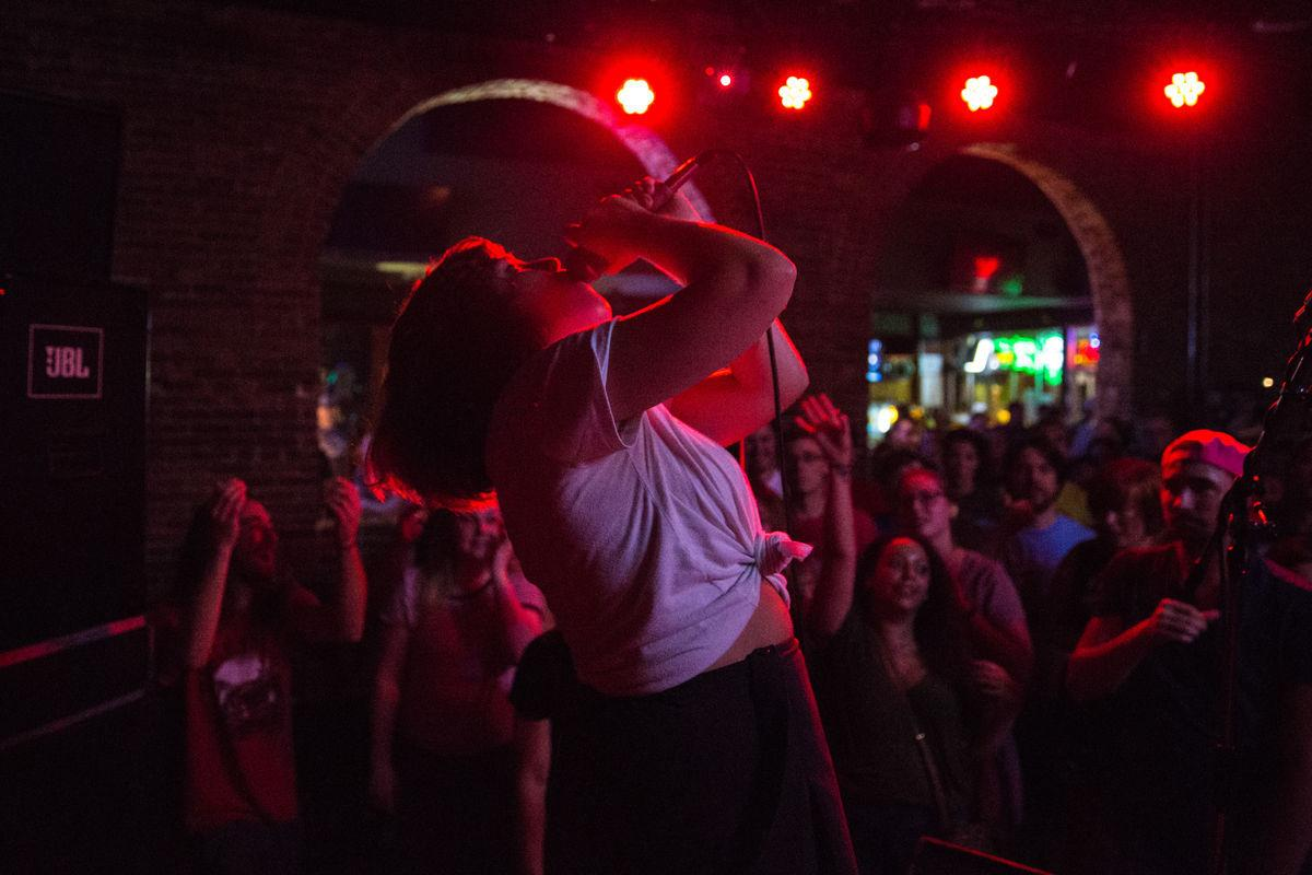 Lincoln Bands Cover 90s Music At Halloween Weekend Show