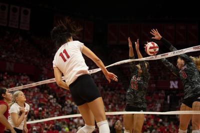 Volleyball vs Louisville Photo No. 2