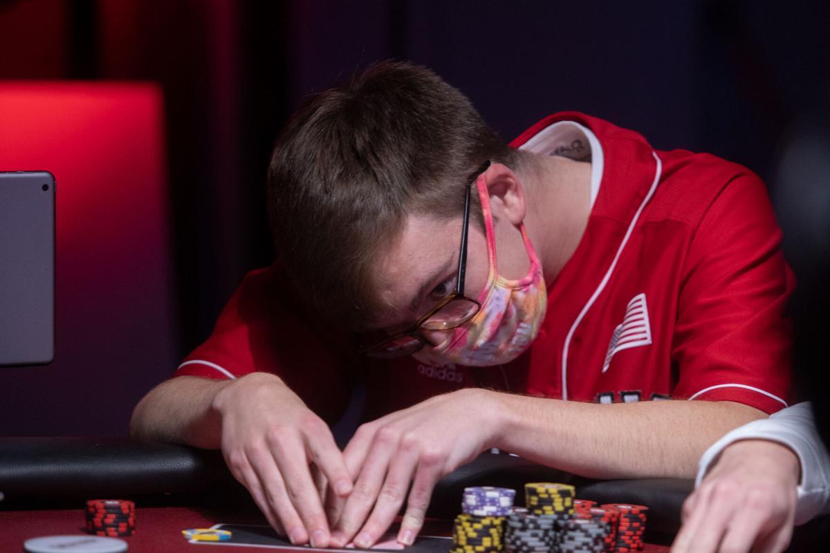 Unl Poker Club Becomes First Livestreaming Collegiate Poker Club Culture Dailynebraskan Com