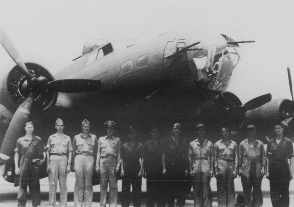 Alexandria Airfield-based B-17 aircrew