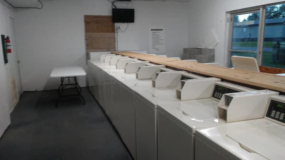Laundromat open in Pineland, under new management