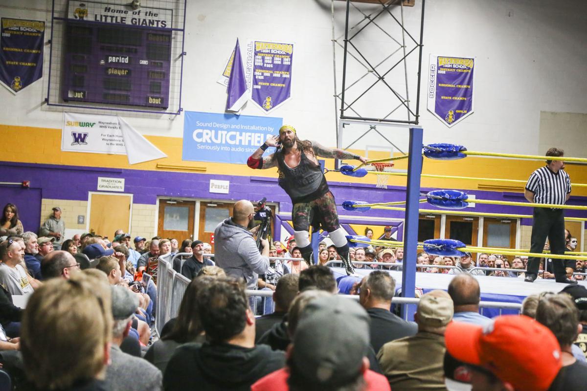 Pro wrestlers visit Waynesboro High