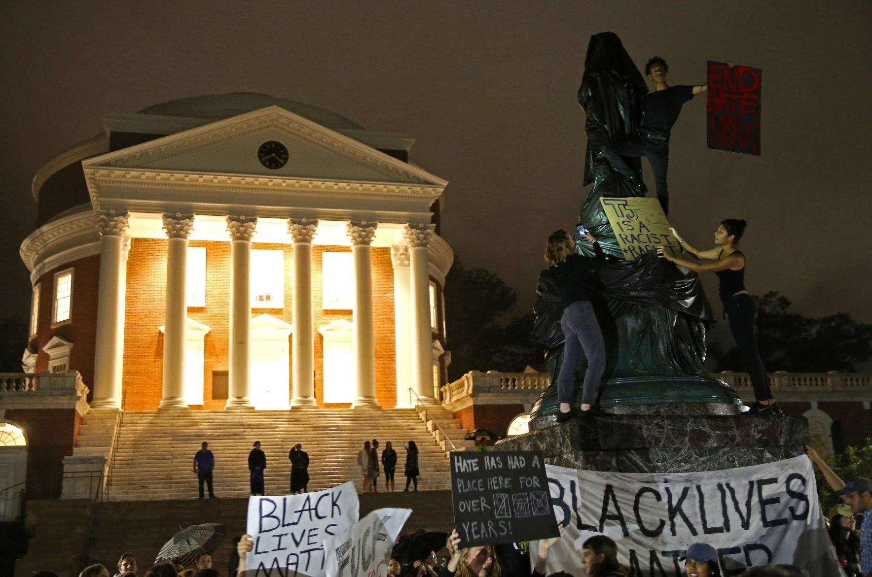 Protesters cover statue of Thomas Jefferson one
