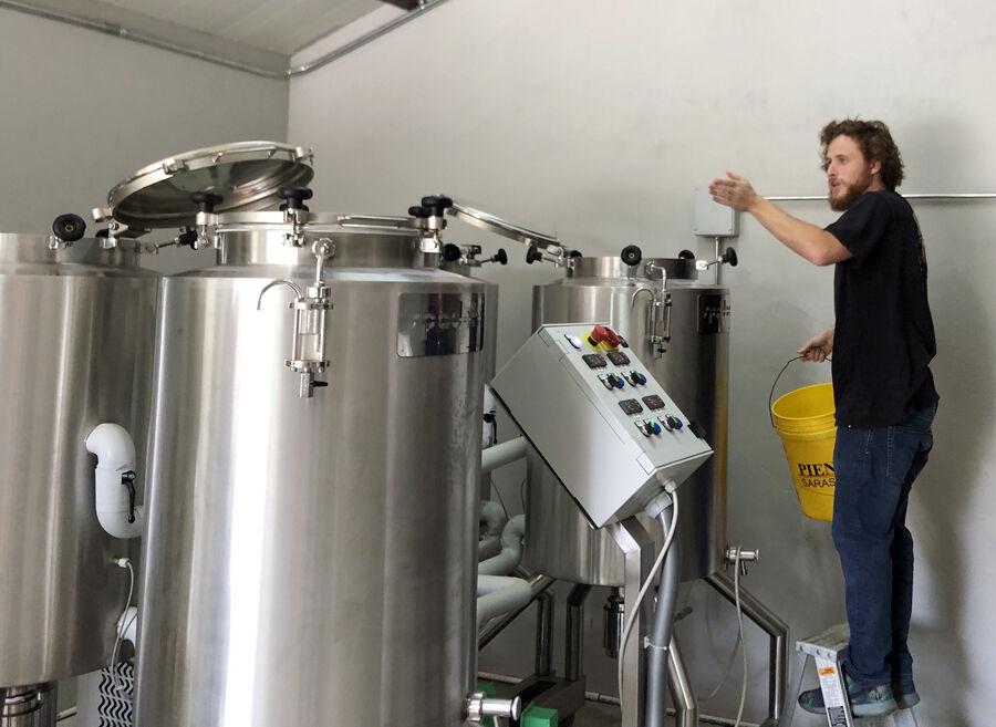 Deigl 3-loading enzymes into fermentation tanks