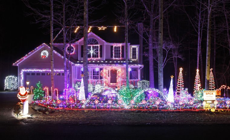 Computerized Christmas light Show at Lake Monticello | Local News ...