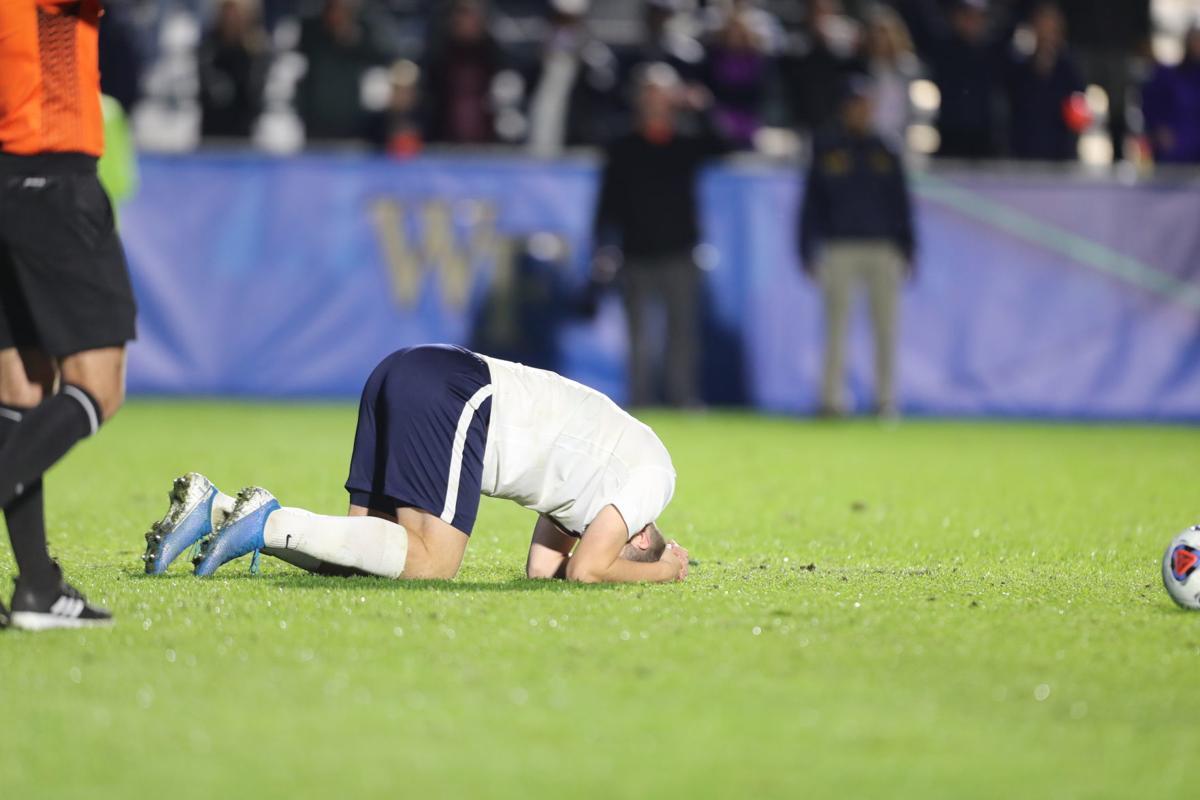 """Résultat de recherche d'images pour """"virginia men's soccer"""""""