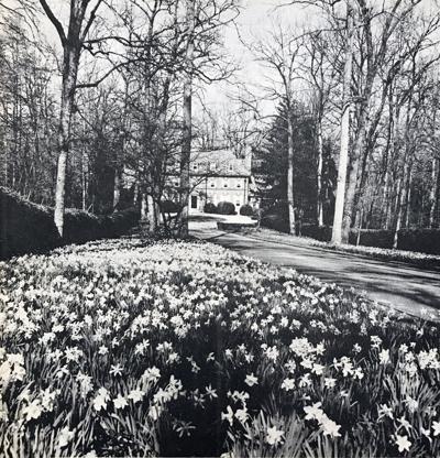 IHBNR: April 15, 1971_Lochiel garden tour