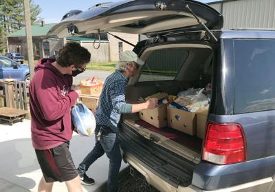 LOFP_volunteers loading_April 2021