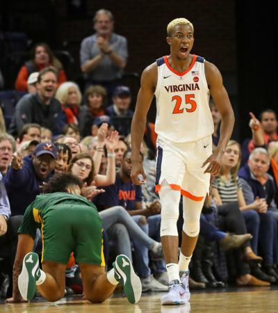 20191119_cdp_sports_uva_mbball108.JPG