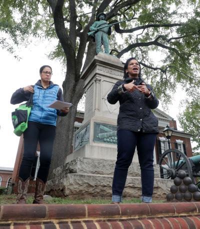 statue tour