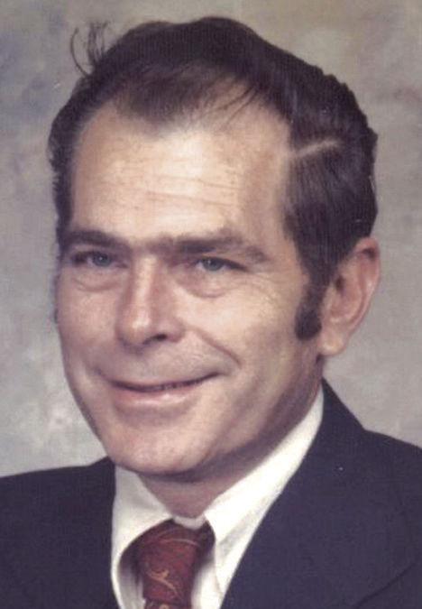 Houchens Jr., Lewis D.