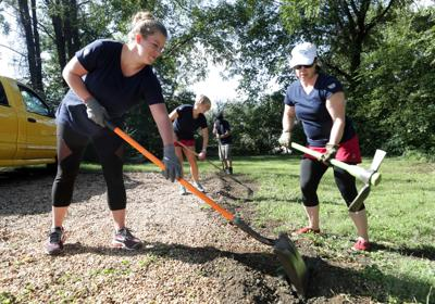 Day of Caring sets 2,000 volunteers on 200 projects | Local