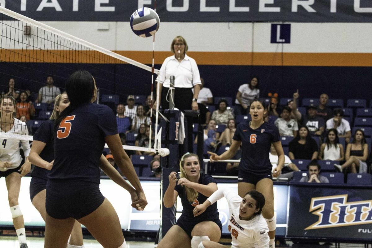 Cal State Fullerton Volleyball Travels To Cal State Bakersfield On Tuesday Sports Dailytitan Com