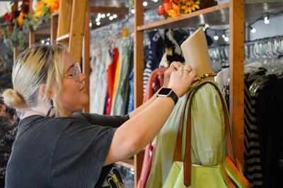Sustainable fashion/Mustard Market art