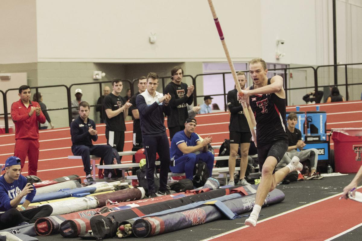 Bray sets indoor pole vaulting record, holds outdoor record