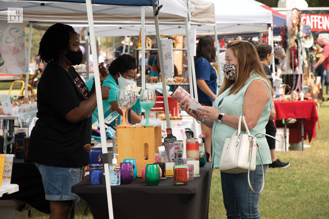 Garden & Arts Center hosts 50th Annual Fall Arts & Crafts Festival