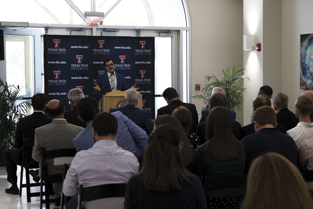 Ribbon Cutting for Experimental Sciences Building II