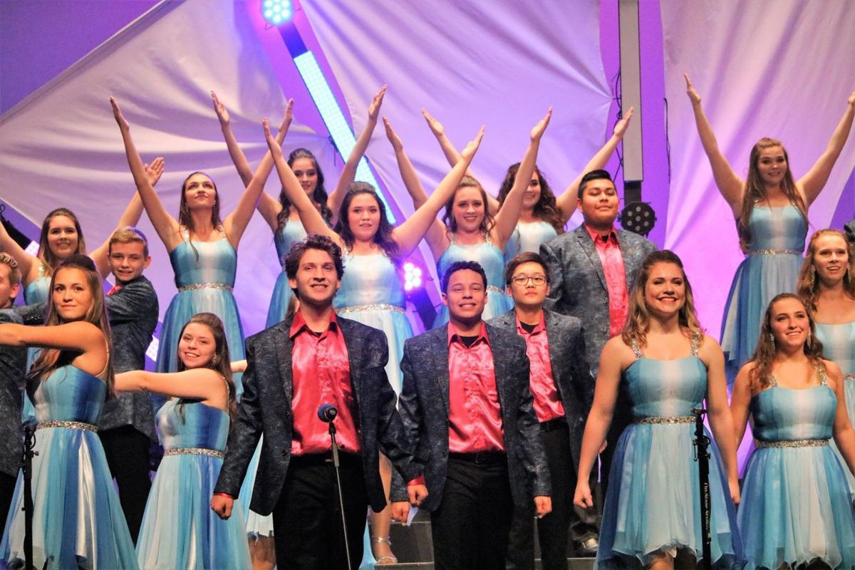 Fort Show Choir Showcase Invite set