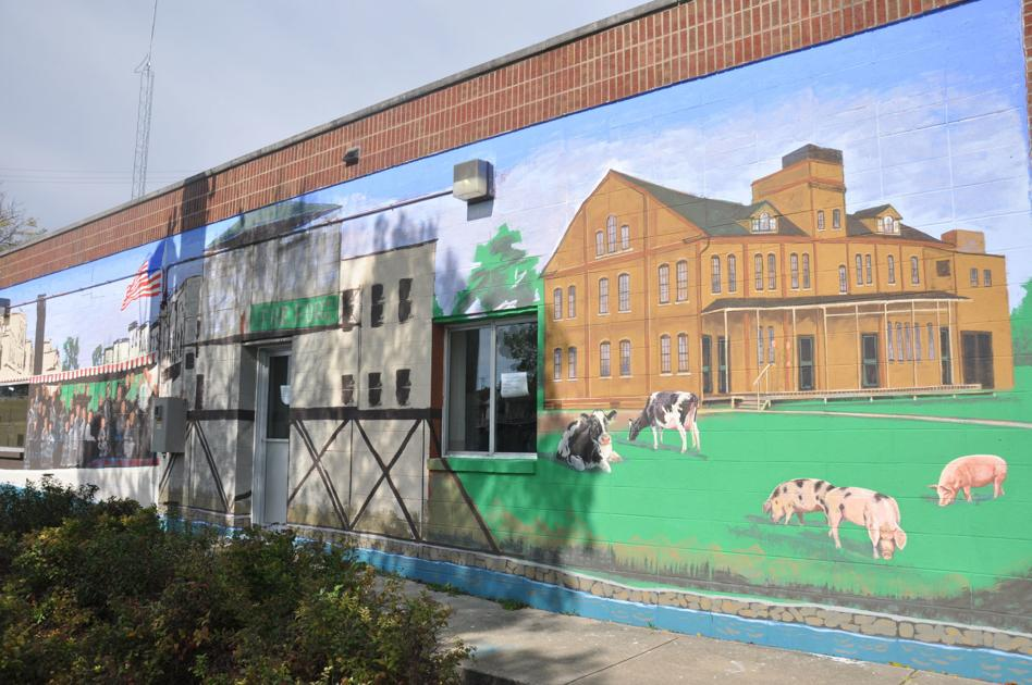 Mural unveiled at Fort's Water Department building - Daily Union