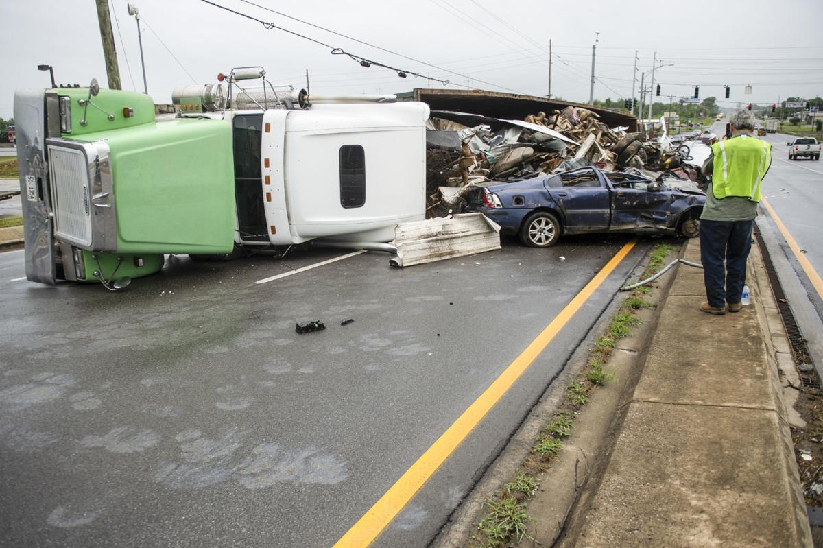 D200627 overturned truck