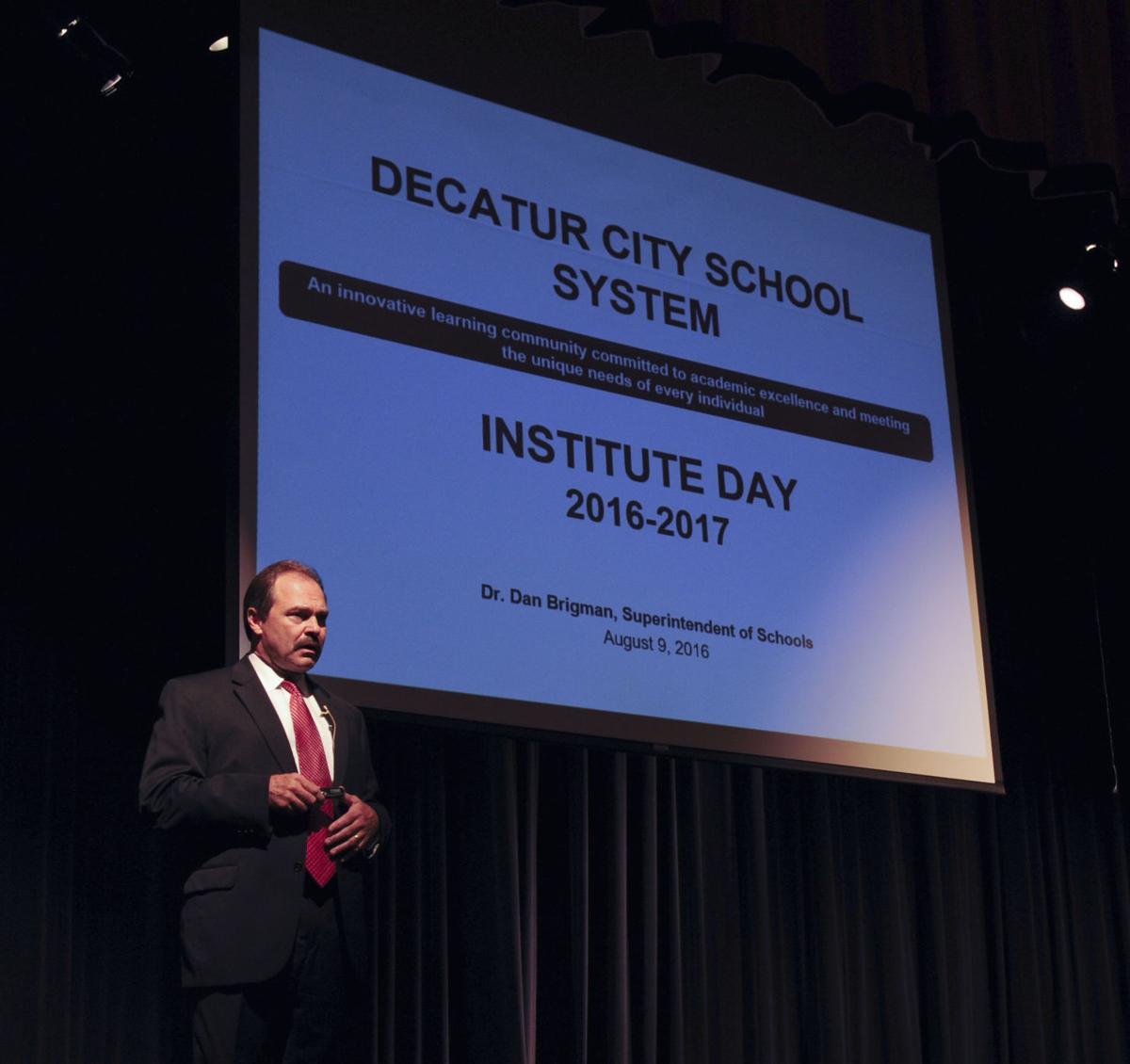 D160810 decatur school institute day
