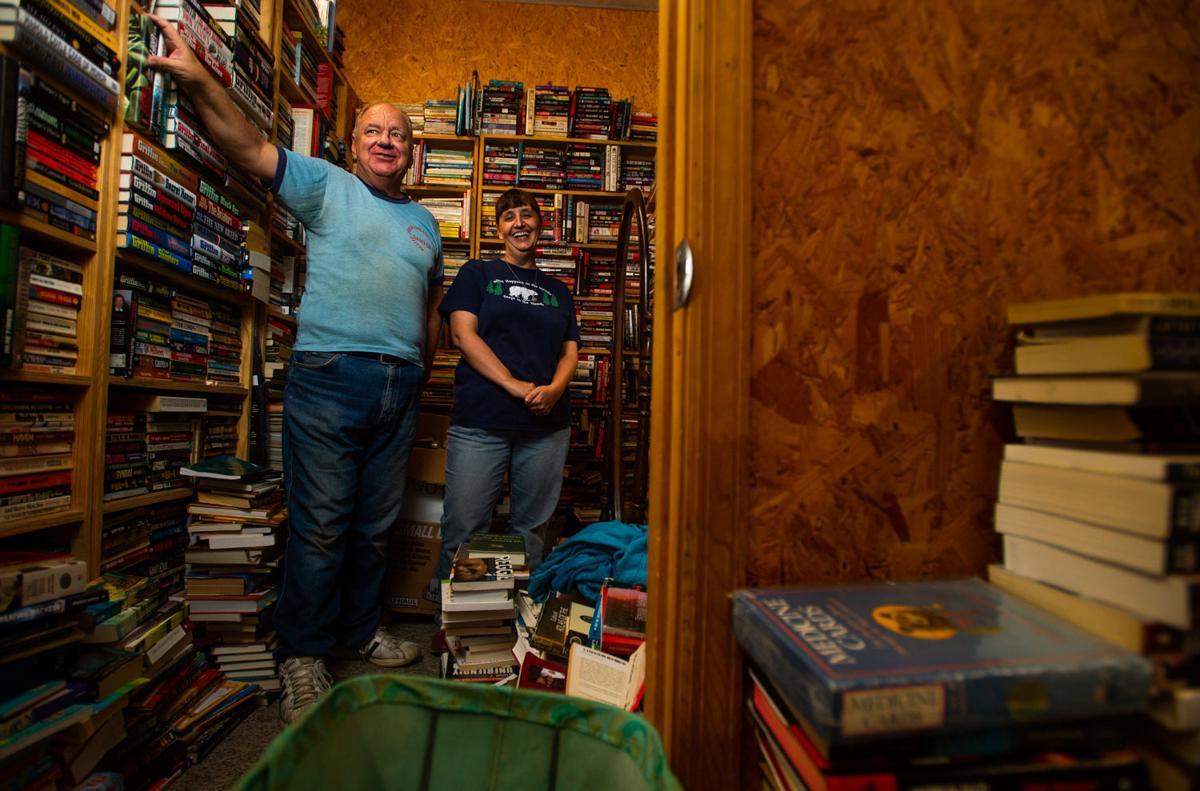 DL190811 living books