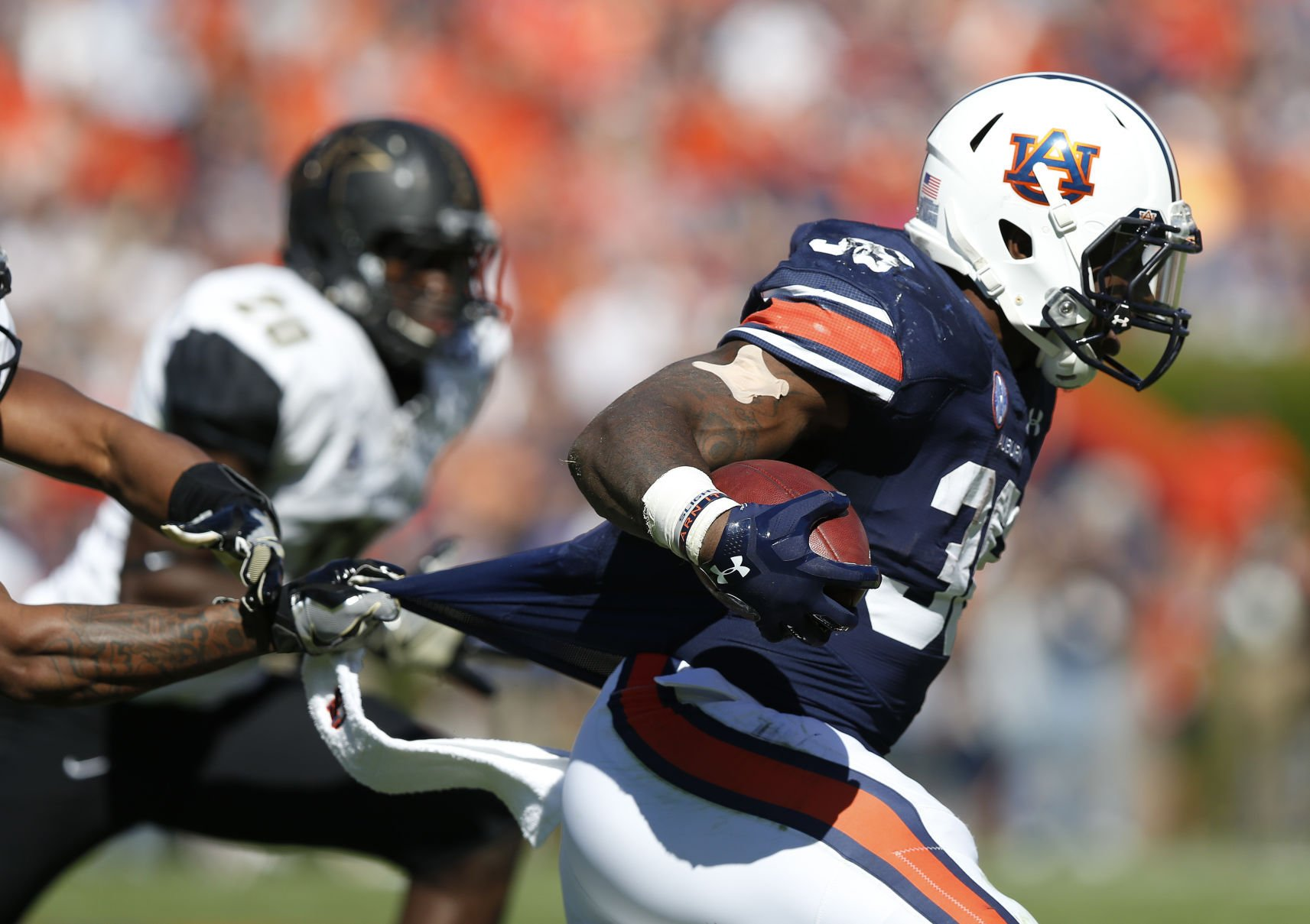 Auburn Blows Mississippi State Out 49-10; Kerryon Johnson Scores 3 TDs
