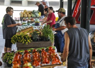 D190627 farmers market