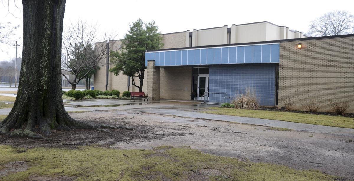Council members debate whether testing will determine rec - Carrie matthews swimming pool decatur al ...