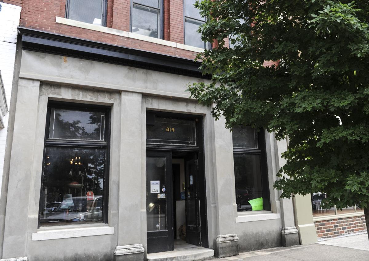 D180824 bank street