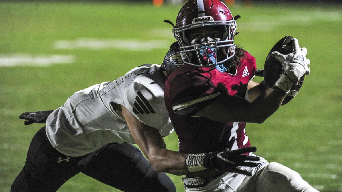 Hartselle rides turnovers to blowout win over Russellville