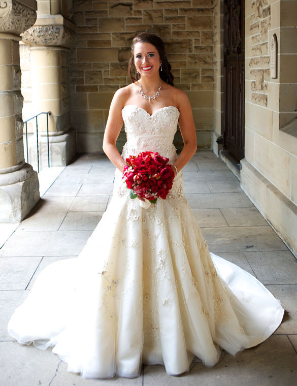 Moulton native on say yes to the dress local news for Wedding dress rental atlanta
