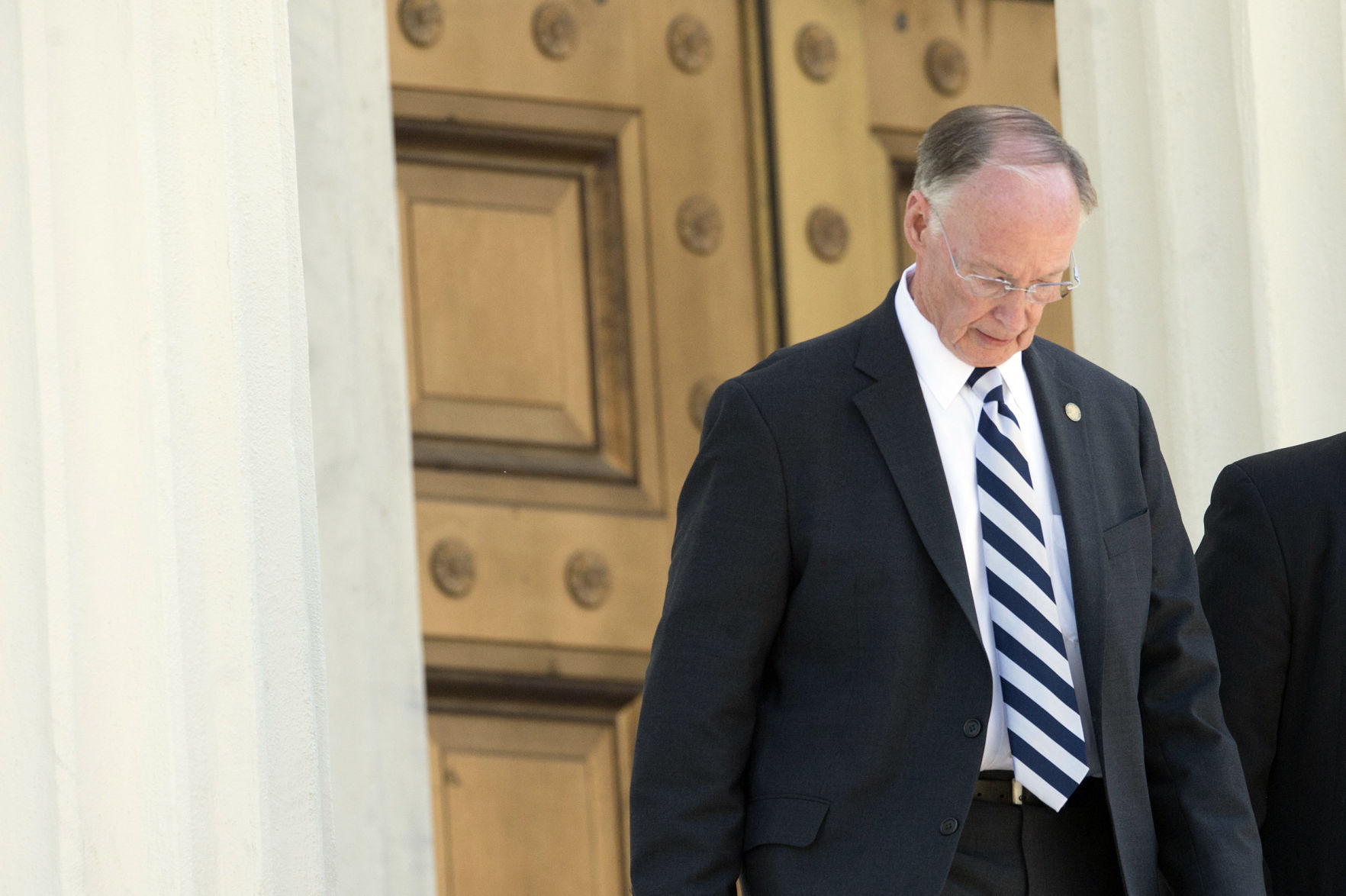 reason for resigning in resignation letter%0A Alabama Governor