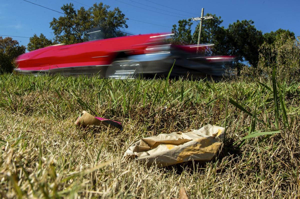 D191107 Modaus Road litter