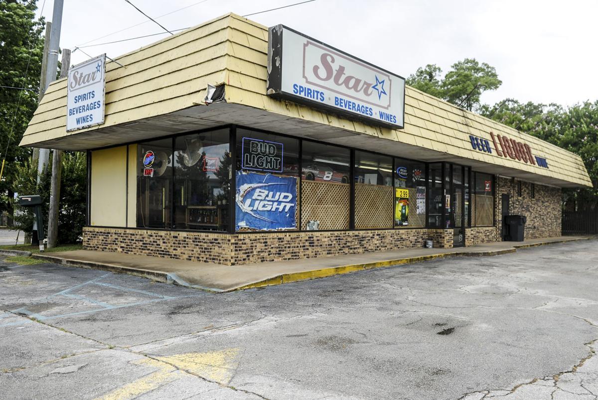D200609 liquor store