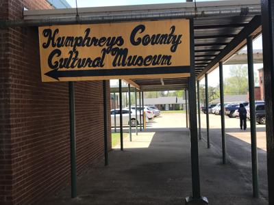 Humphreys County Cultural Museum Awarding Students For Black History  Humphreys County Cultural Museum Awarding Students For Black History Essays English Essay Topics For Students also Economic Order Quantity Literature Review  Thesis For Compare Contrast Essay