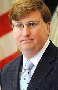 Governor Tate Reeves Pauses Mississippi Reopening