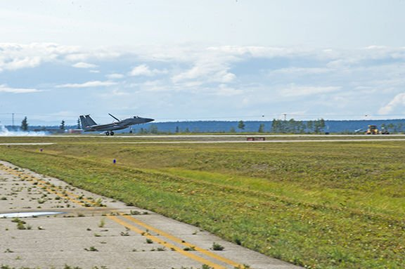 F-15 lands at Allen Army Airfield