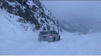 Vehicle stuck on Richardson Highway
