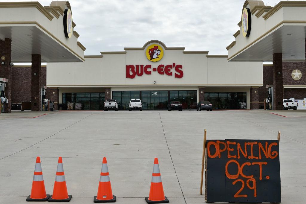 Buc-ee's opening date set for Oct  29   News   dentonrc com
