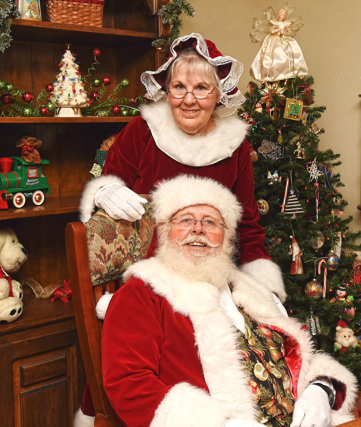 Santa and Mrs. Claus, vertical