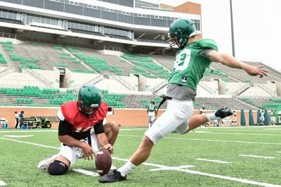 Source Former Unt Kicker Cole Hedlund Signs With Colts