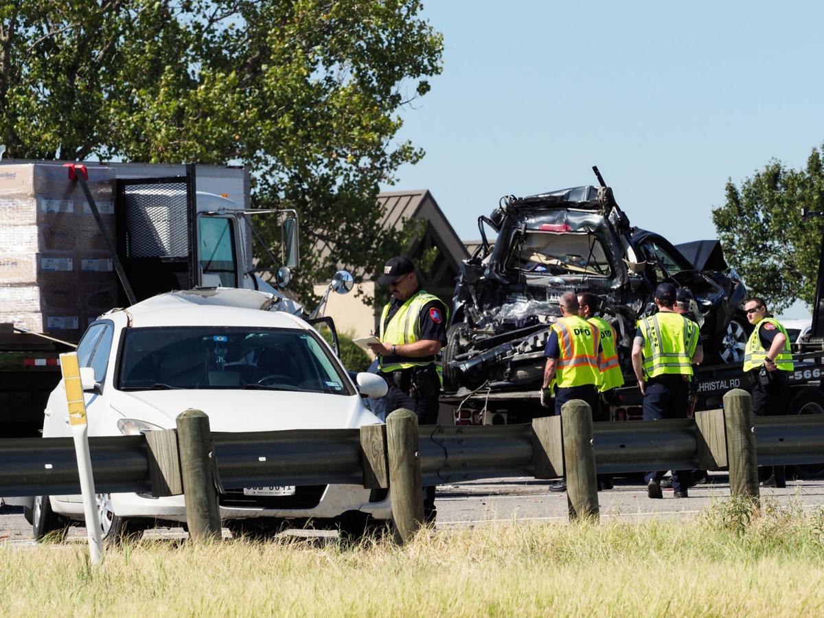 5-vehicle crash on I-35W