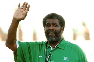 0aebbd9dea4 UNT unveils plans for Joe Greene statue at Apogee Stadium | News ...